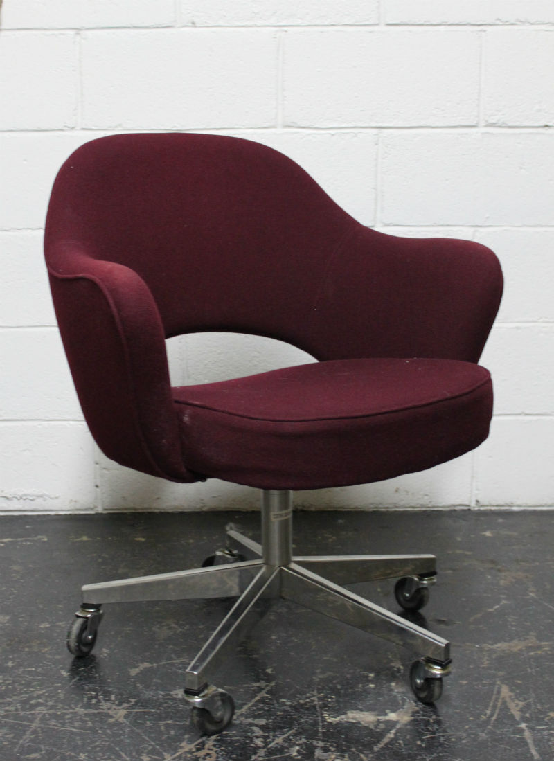 Saarinen-style desk chair before.